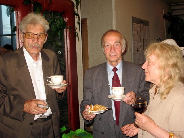 Susitikimai: bendramoksliai mokytojas Vacius Bražėnas, aktorius Ferdinandas Jakšys ir rašytoja Milda Telksnytė