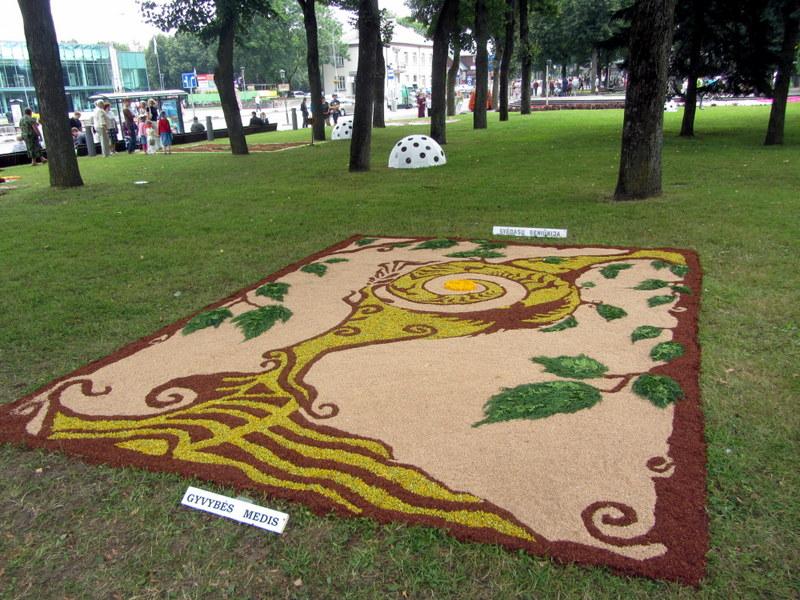 """Svėdasų seniūnijos bendruomenės """"Gyvybės medis""""."""