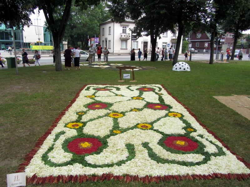 Kurklių miestelio bendruomenės kompozicija.