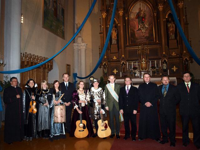 Iškilmių dalyviai bažnyčioje pagerbė laureatą P. Subačių