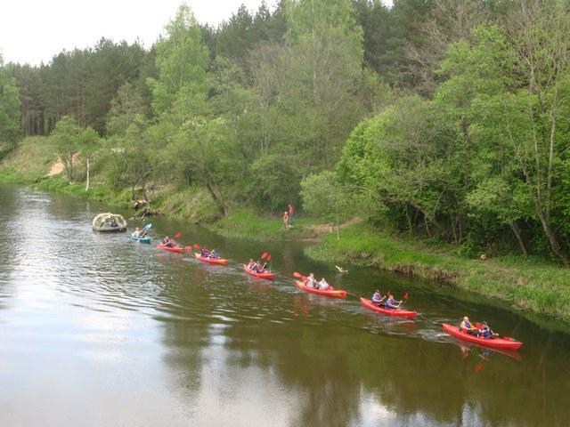 Vasaros sezoną Šventosios upėje ties Andrioniškiu atidarė rekordinis vandens traukinys.