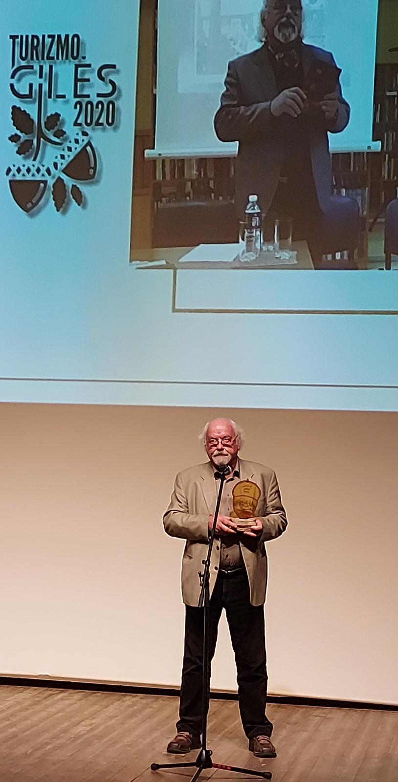 Apdovanotas rašytojas Rimantas Vanagas.