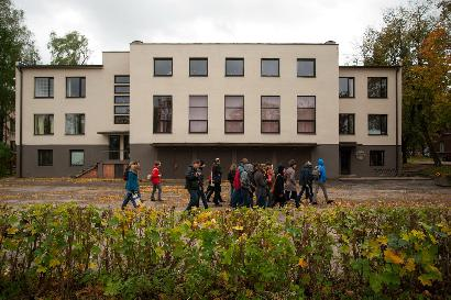Buvę partijos rūmai - dabar Muzikos mokykla. Norbert Tukaj nuotrauka
