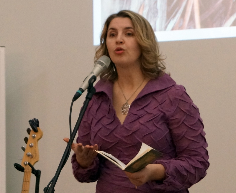 Poetė ir skaitovė Laima Petronienė.