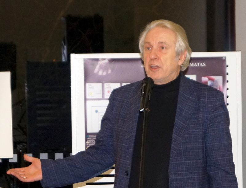 Anykštėnų svečias poetas ir leidėjas Viktoras Rudžianskas.