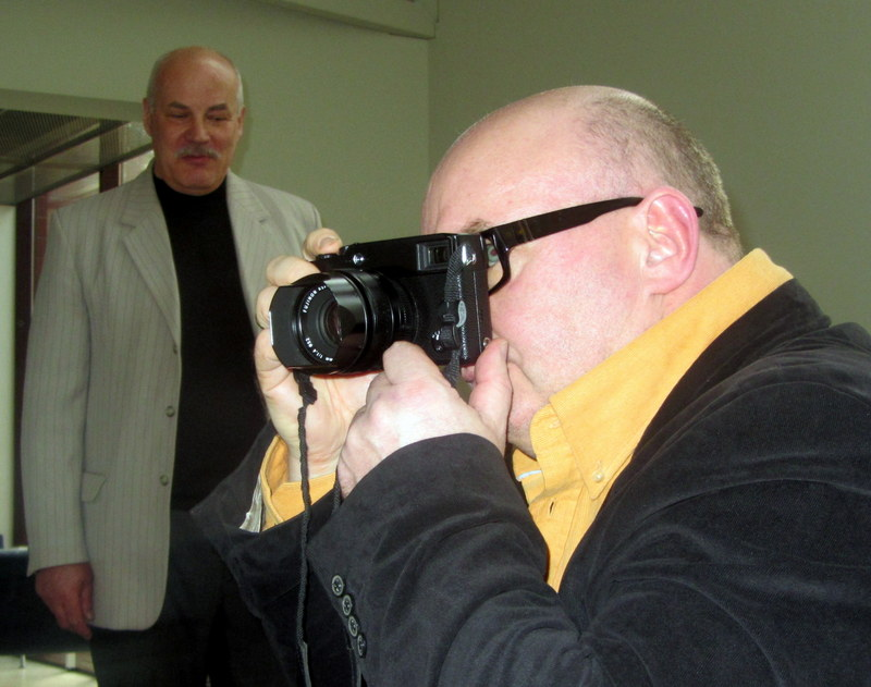 V. Kiaušas ir fotoaparato iš rankų nepaleidęs Algimantas Aleksandravičius