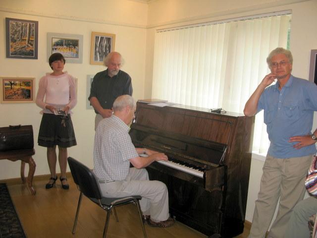 Parodos atidarymo metu koncertuoja pianistas Balys Meldaikis