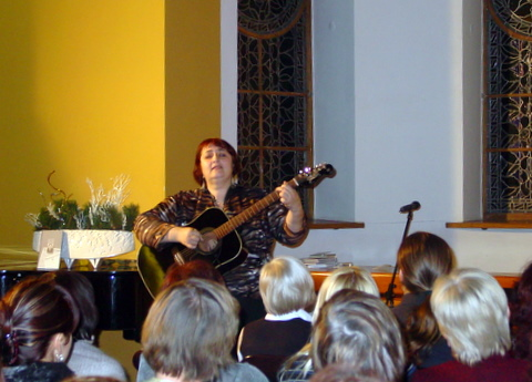Dainuoja L. Nazarenko