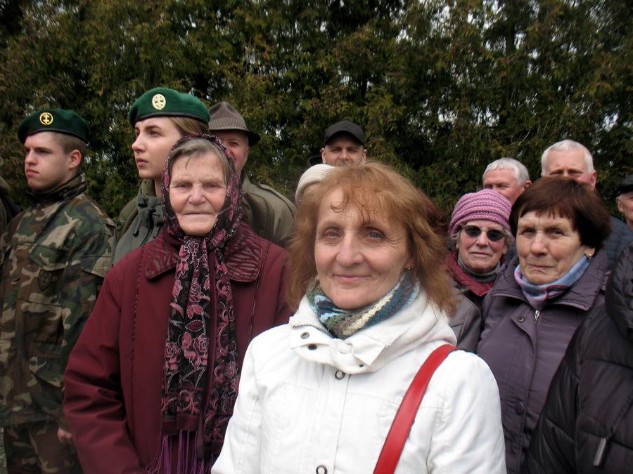 Šaunieji debeikiečiai, centre – mus maršu palydėjusi Danguolė Aleknienė.