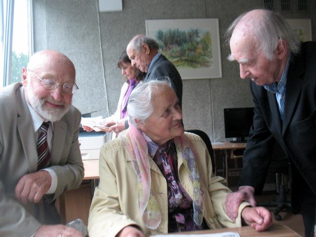 Svėdasiškių pašnekesys. Iš kairės: Juozas Lapienis, Irena Guobienė ir Fedinandas Jakšys.