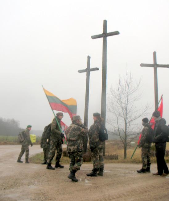 Trijų kryžių kryžkelėje.