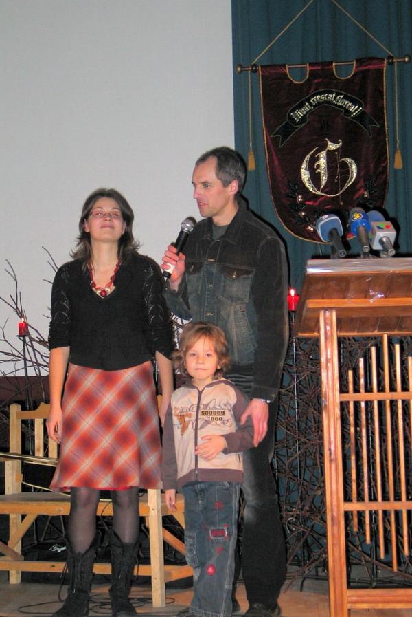 Indrė ir Aidas Gurskai su sūneliu Joriu