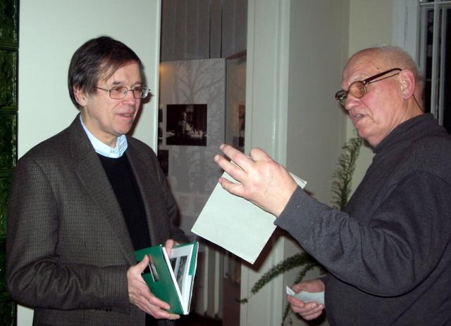 Anykščiuose su filosofu Kęstučiu Girniumi ilgiausiai diskutavo sovietinės rezistencijos dalyvis Leonas Kaladė.