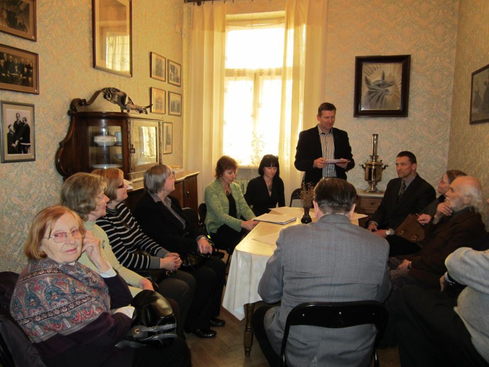 Steigiamajame susirinkime kalba Kauno anykštėnas Arūnas Strumskis