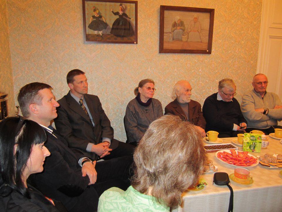 Kauno anykštėnai Roma Katinienė, Arūnas Strumskis, Romas Pačinskas ir kiti steigiamajame draugijos susirinkime