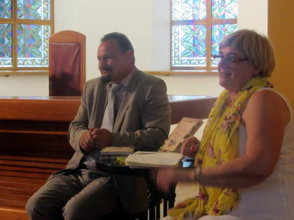 Knygą pristato du mokytojai ekspertai S. Obelevičius ir D. Nefienė.