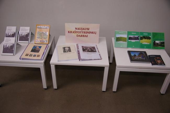 Kraštotyros darbų ir leidinių paroda.