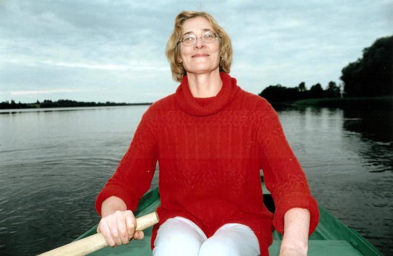 Irena Seliukaitė Erzvėto ežere. Asmeninio albumo nuotrauka.