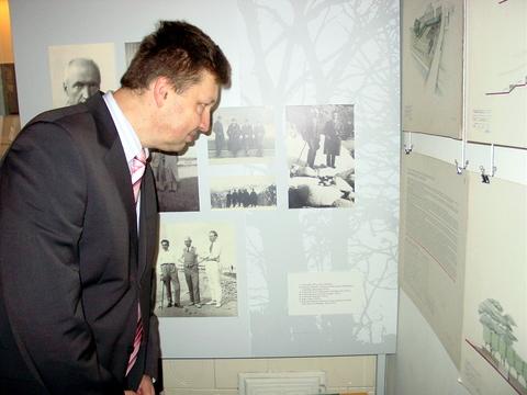 T. Gabriūnas muziejaus ekspozicijoje aptiko tėvo brėžinius.
