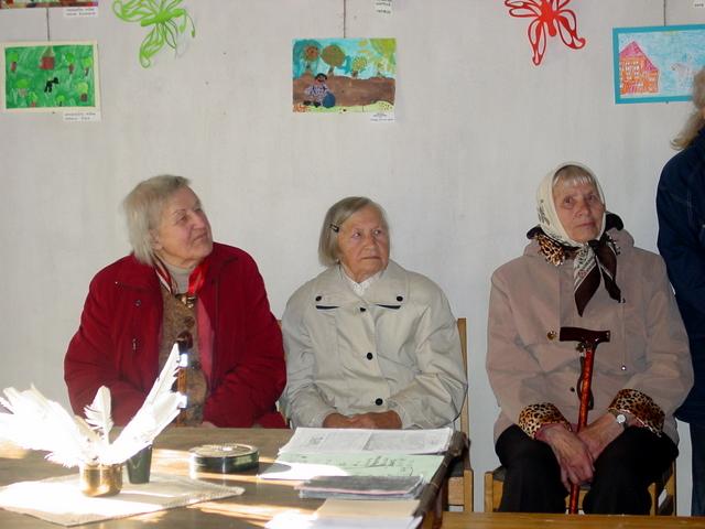 Senolės Didžiulių muziejuje: Irena Jurevičienė, buvusi ilgametė muziejaus saugotoja Domicelė Petniūnaitė ir J. Pačinskienės mama Bronė Rutavičienė.