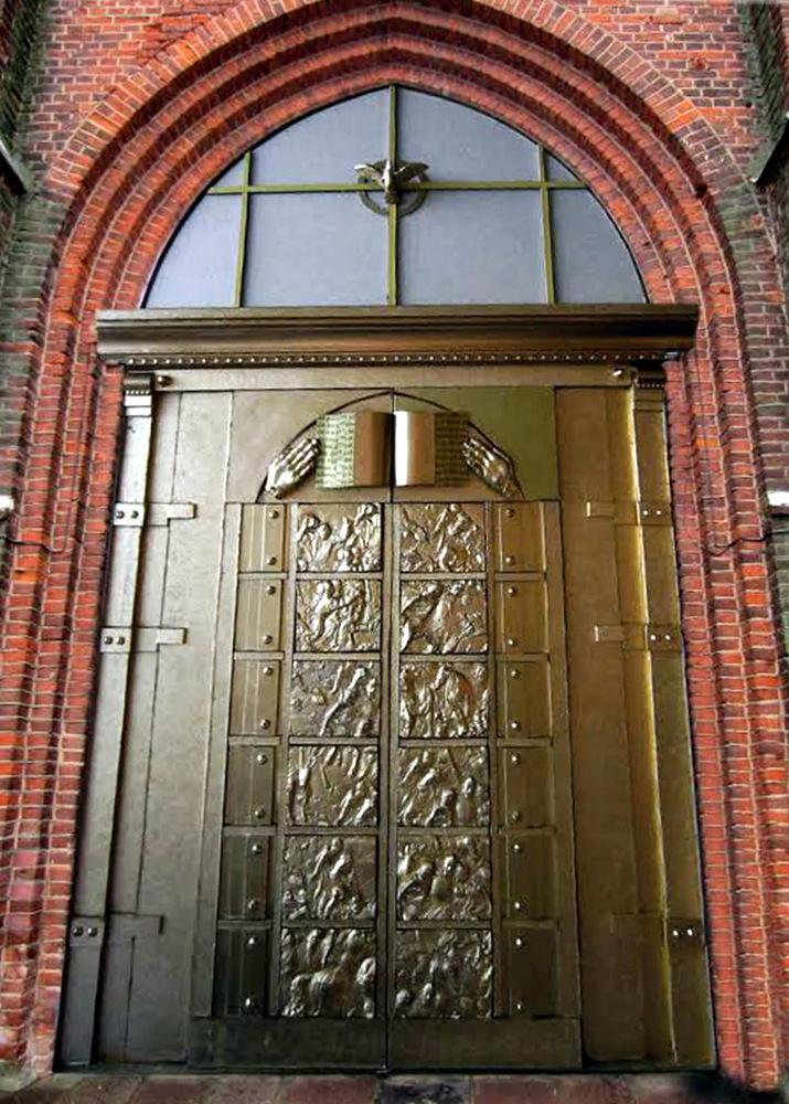 Pirminis Anykščių Šv. Mato bažnyčios centrinių durų eskizas (autorius – Romualdas Inčirauskas).