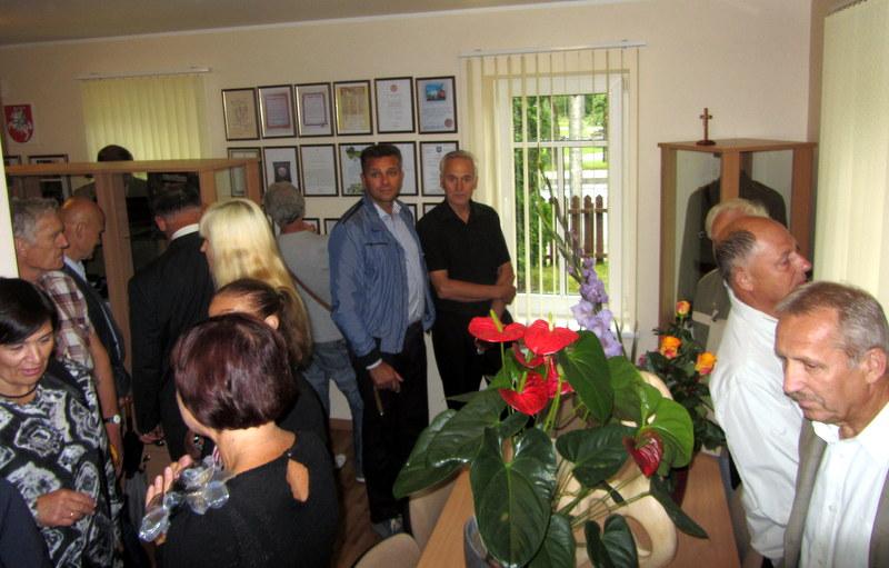 Bendrijos namuose veiks ir nuolatinė Avižienių šeimos relikvijų ekspozicija.