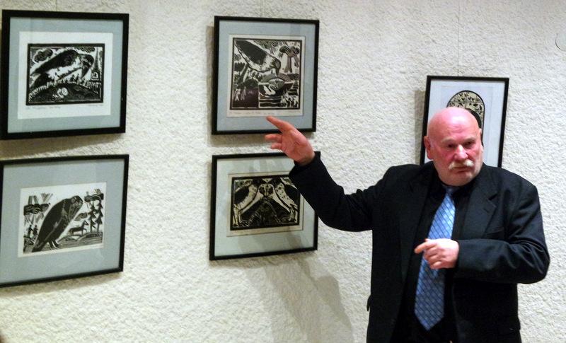 P. Šiaučiūnas pristato savo parodą.