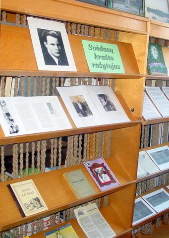 S. Zobarskas, gimęs Pamaleišio kaime už kelių kilometrų nuo Svėdasų, kraštiečių iki šiol prisimenamas kaip žymus rašytojas
