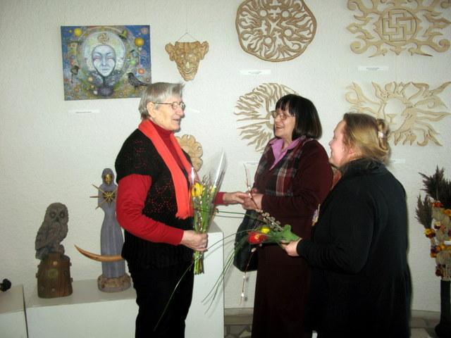 Veronika Dikčiuvienė (kairėje) su Romualda Bražėniene ir Skaidre Račkaityte