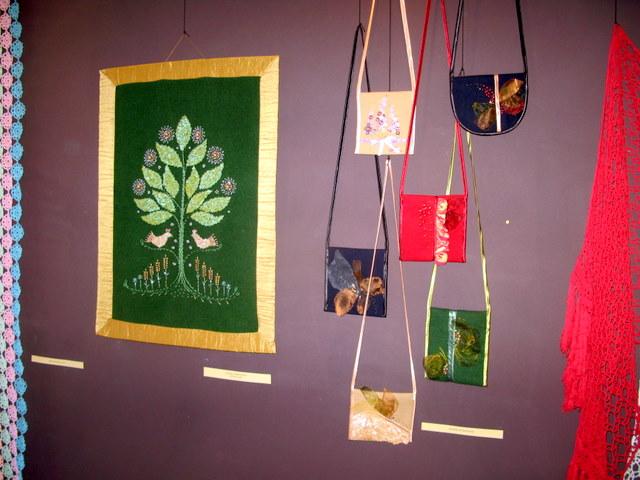 Egidijos Miškinienės tekstilės kūrinių eskpozicija.