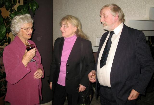 A. Tylos žmona Romualda Tylienė su Milda ir Vygandu Račkaičiais
