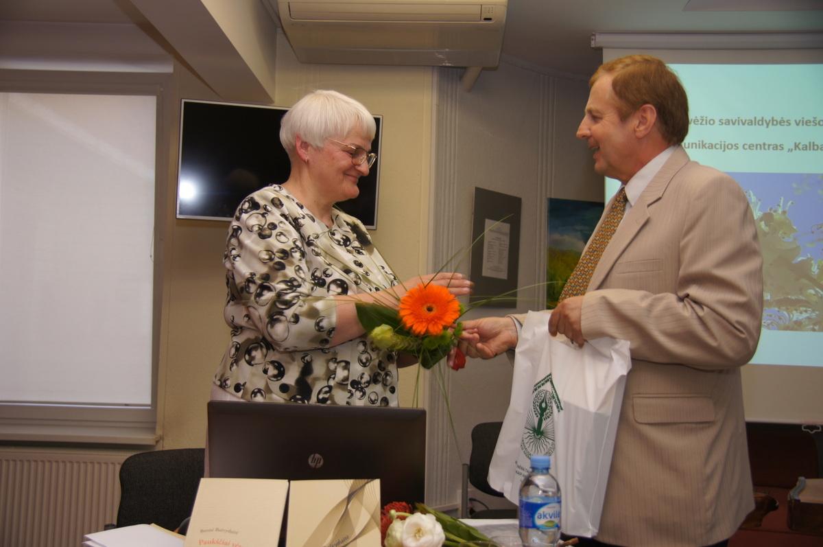 Leidėjai – A. Baranausko ir A. Vienuolio-Žukausko memorialinio muziejaus direktoriaus Antano Verbicko padėka.