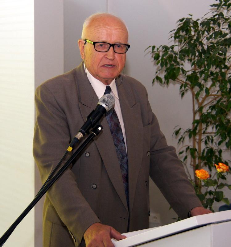 Prof. A. P. Ažubalis.