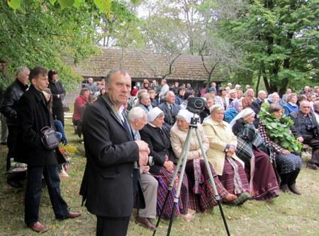 Vaižgantinių organizatorius V. Bagdonas (centre) šiemet bus pagerbtas per Vaižgantines.