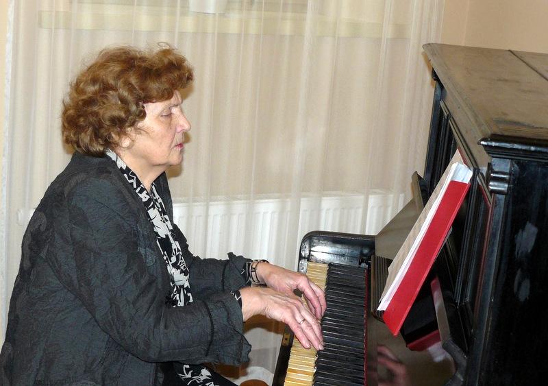 Koncertuoja pianistė Birutė Šernaitė-Barauskienė. Laimučio Regelskio nuotrauka.