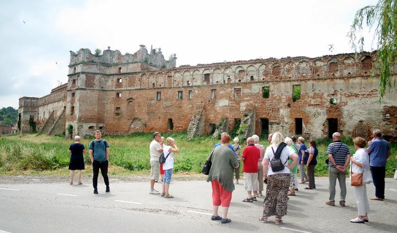 Senojo mūro akistata su šiandienos išbandymais.
