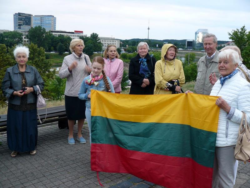 Vilniaus anykštėnai susirinko giedoti Lietuvos himną.