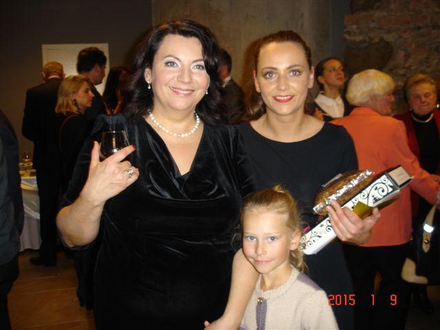 R. Juzukonytė su dukra ir anūke.