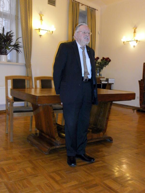 Istorinius 1990 m įvykius aptaria Lietuvos AT ir Atkuriamojo Seimo pirm., signataras, LRS garbės pirm., prof. habil. dr. Vytautas Landsbergis.