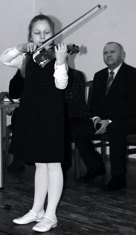 Seneliui skamba Kamilės smuikas