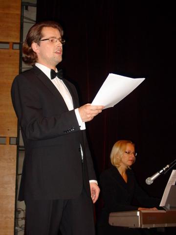 Dainuoja T. Tuskenis